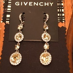 GIVENCHY - Beautiful Drop stamped Earrings